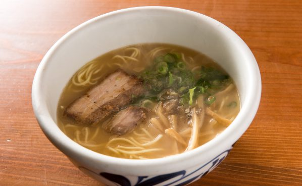 愛媛の都市伝説「蛇口からみかんジュース」を体験!おもてなしいっぱいの松山空港を遊び尽くそう